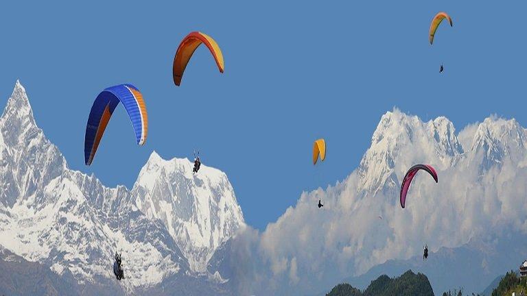 sarangkot-paragliding